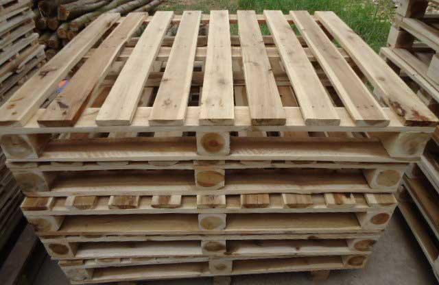 pallet gỗ 4 hướng nâng 1000kg