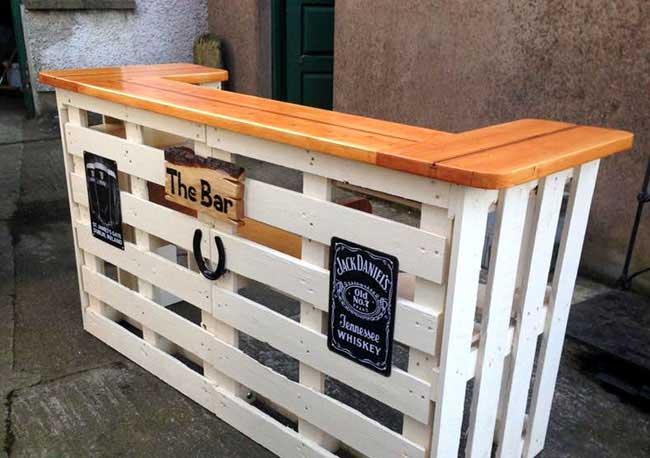 quầy bar pallet gỗ