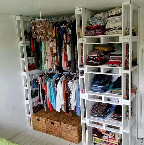 Pallet gỗ làm tủ quần áo