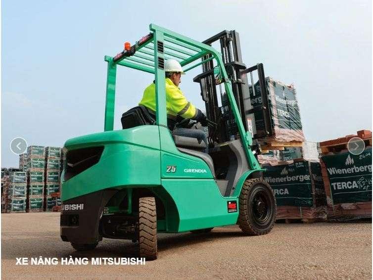 xe nâng dầu mitsubishi FD15N