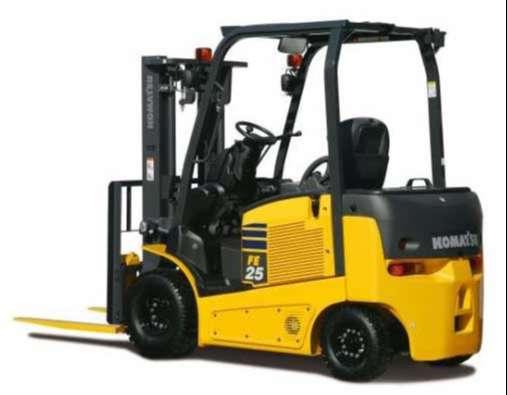 xe nâng động cơ điện 2.5 tấn komatsu