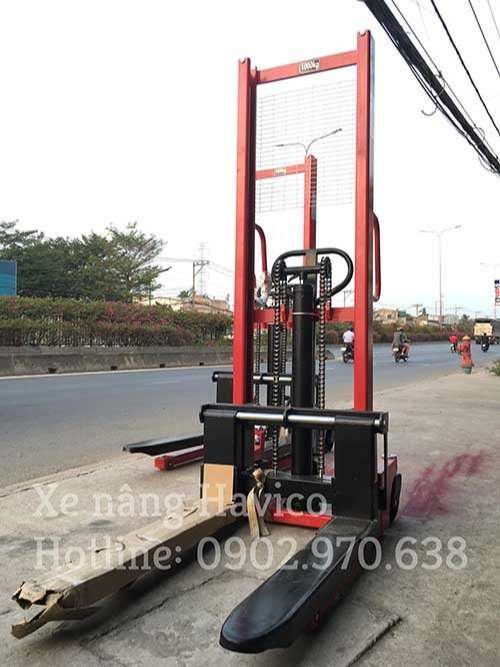 xe nâng tay cao giá rẻ tải trọng 1000kg lên 1 mét 6